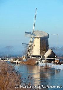 ansichtkaart winter Strijkmolen K, mill postcard in winter, Postkarte Mühle im Winter
